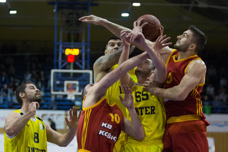 Basketbalisti Klubu Býkov Košice vykročili do semifinálovej série proti  Interu Bratislava prehrou 62 87 a domácu odvetu mali pôvodne odohrať v  stredu 11. ... c854451b5df